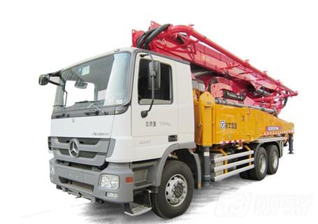 徐工HB48K(奔驰底盘)混凝土泵车