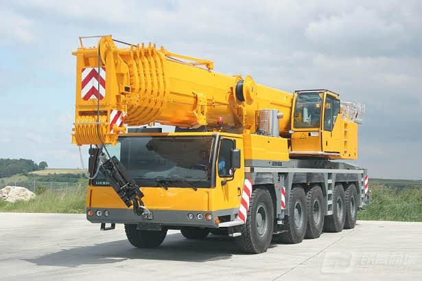 利勃海尔LTM 1220-5.2汽车起重机