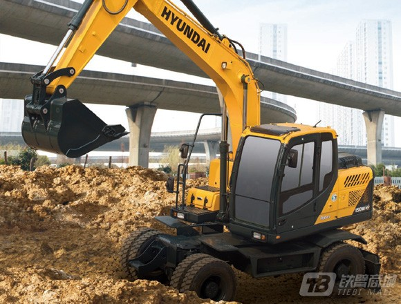 现代R150W VS轮式挖掘机