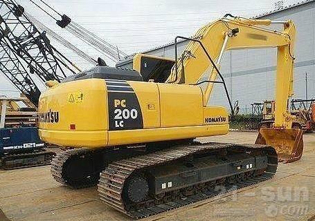 小松PC200LC-8挖掘机外观图3