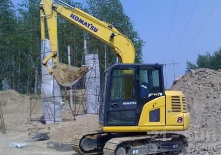 小松PC70-8挖掘机外观图2