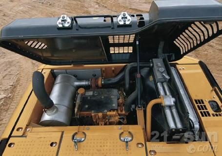 卡特彼勒318DL重型应用液压挖掘机外观图3
