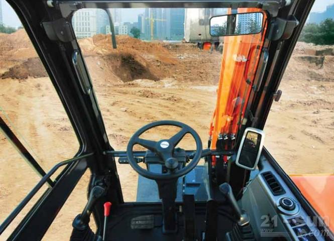 斗山DX60W ECO轮式挖掘机外观图5