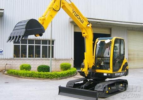 玉柴YC60-8挖掘机外观图3