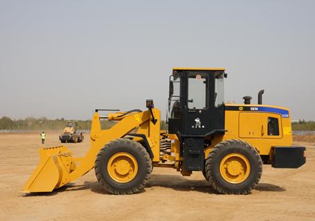 山工SEM632D轮式装载机外观图2