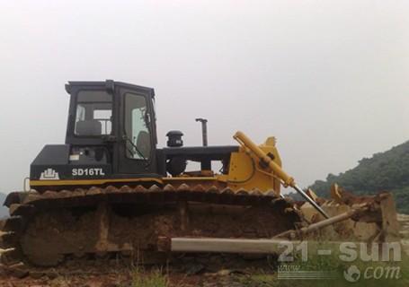 山推SD16TL机械超湿地型履带推土机外观图1