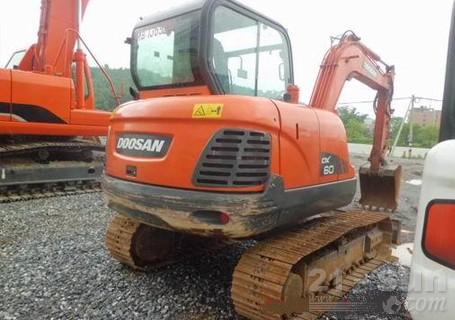 斗山DX60-9C挖掘机外观图2