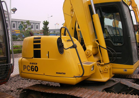 小松PC60-8液压挖掘机外观图6