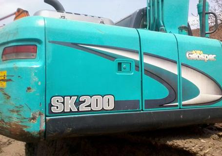 神钢SK200-8挖掘机外观图7