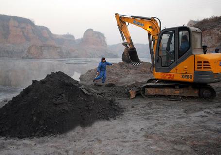 徐工XE60挖掘机外观图2
