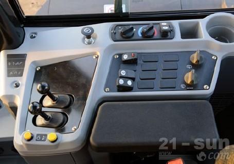 卡特彼勒950GC轮式装载机外观图2