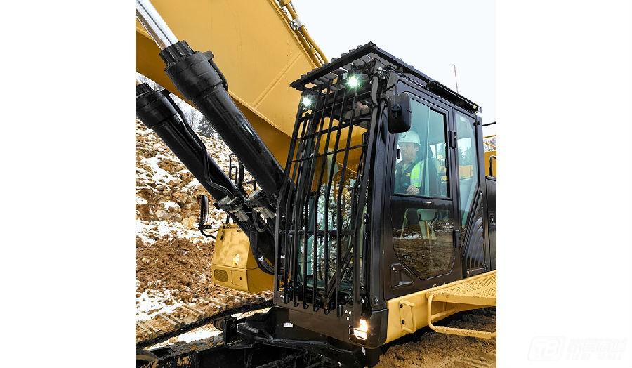 卡特彼勒390F L挖掘机外观图4