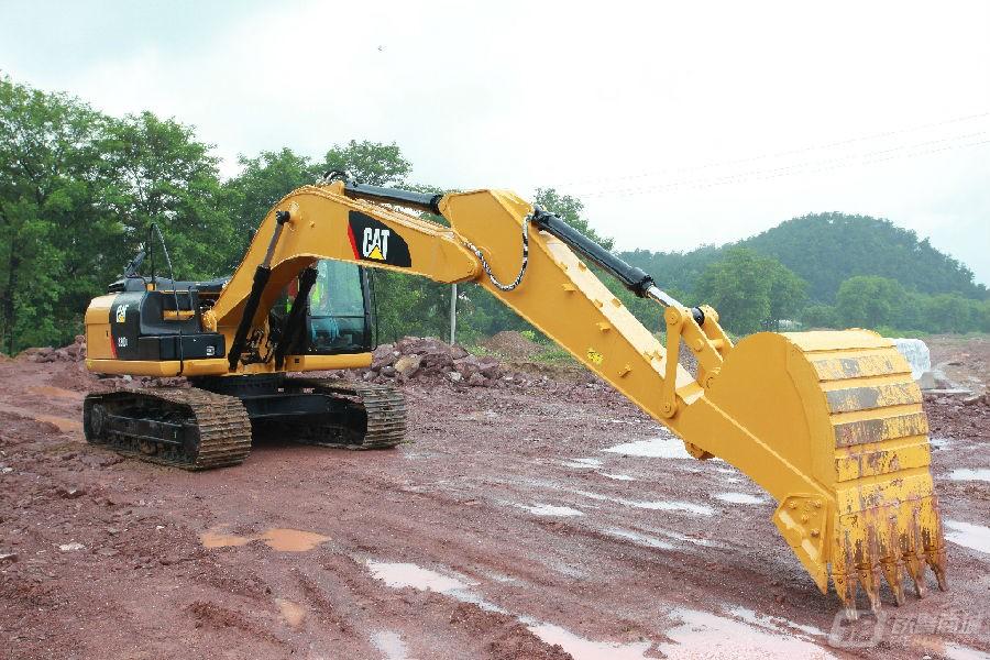 卡特彼勒320D2/D2L挖掘机外观图5