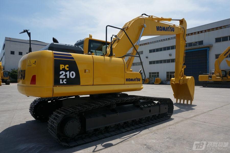 小松PC210LC-8M0液压挖掘机外观图1