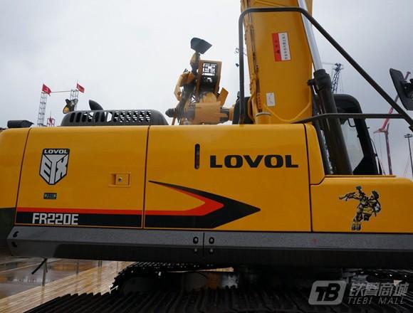 雷沃重工FR220E履带挖掘机外观图2
