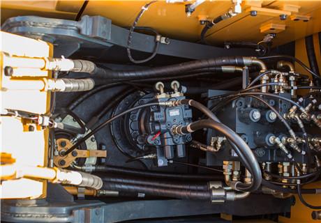 现代R130VS履带挖掘机细节图3