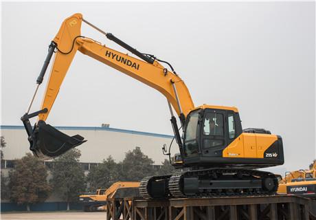 现代R215VS履带挖掘机外观图6