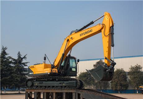现代R305LVS中大型挖掘机外观图4