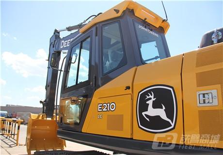 约翰迪尔E210 LC履带挖掘机外观图7