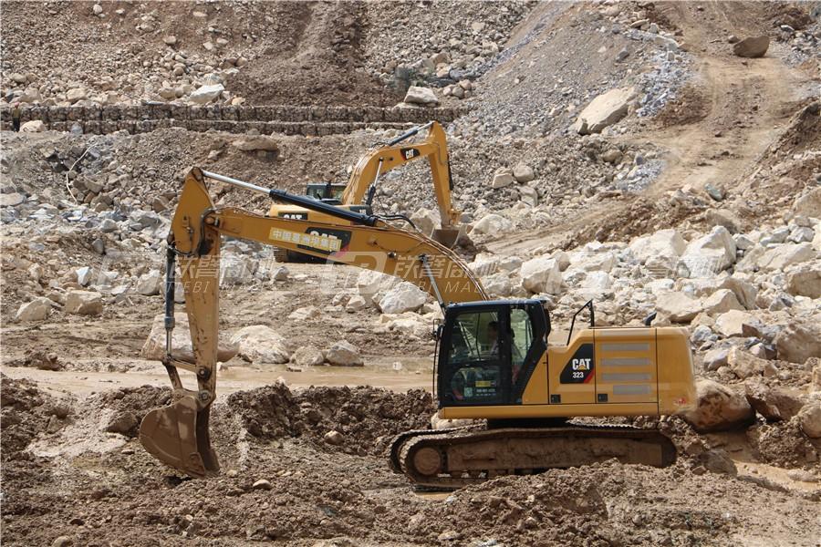 卡特彼勒新一代CAT® 323液压挖掘机外观图22