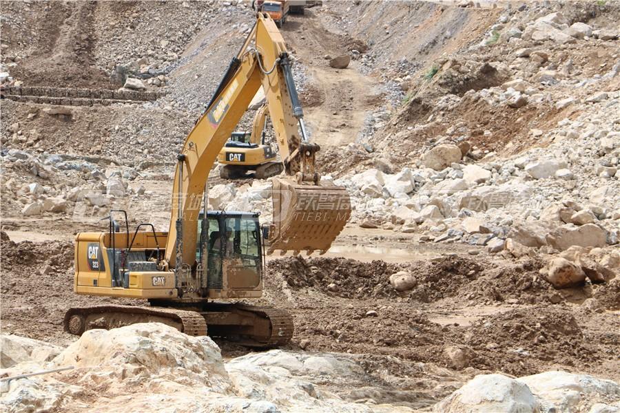 卡特彼勒新一代CAT® 323液压挖掘机外观图23