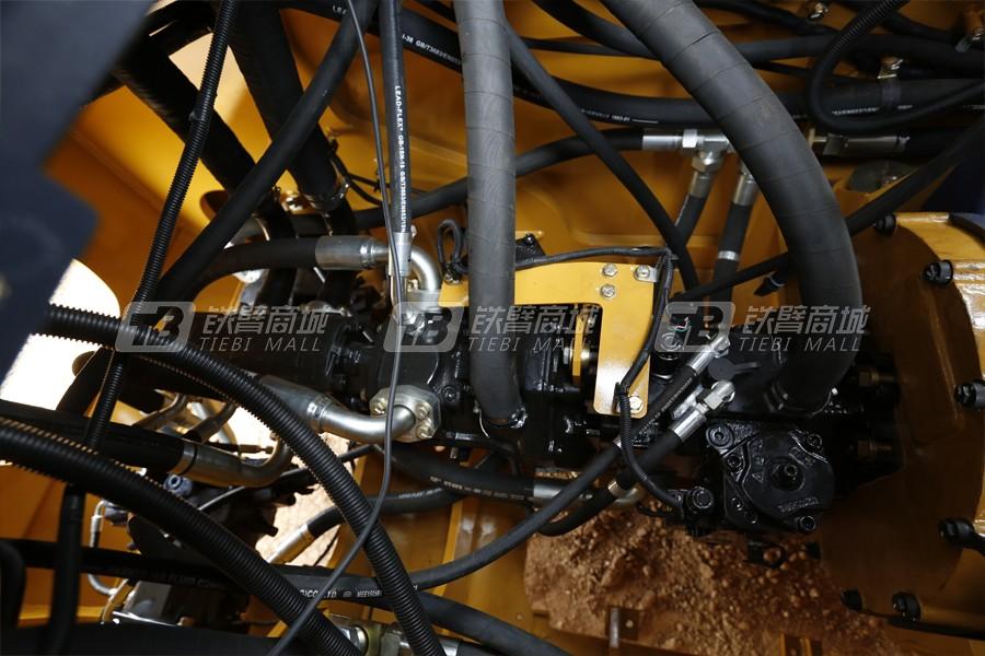 山工SEM822D履带式推土机细节图5