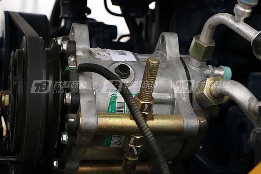 山工SEM522单钢轮压路机细节图2