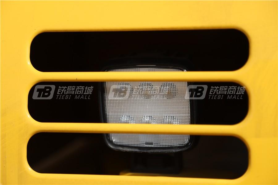 小松PC240LC-8M0液压挖掘机细节图1