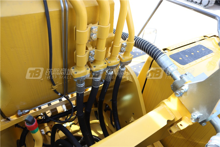 小松PC240LC-8M0液压挖掘机细节图3