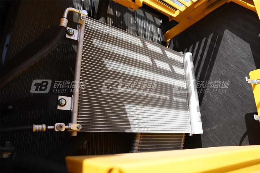 小松PC240LC-8M0液压挖掘机细节图5