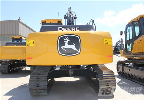 约翰迪尔E210 LC履带挖掘机