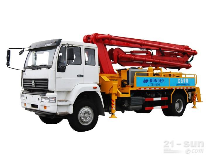 宜工JTZ5160THB22米臂架泵泵车外观图2