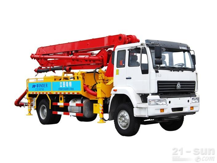 宜工JTZ5160THB22米臂架泵泵车外观图3