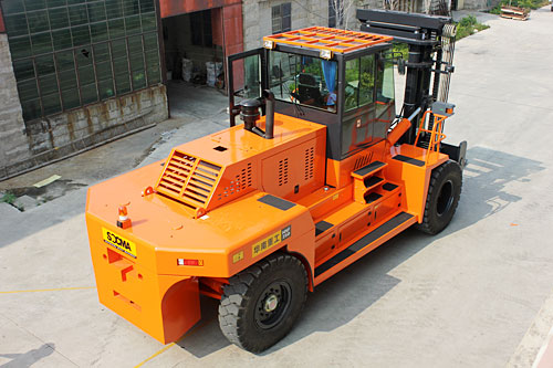 华南重工HNF250M矿山专用叉车