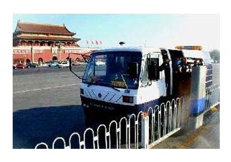 泽通  ZTHL-1001第一代多功能城市护栏清洗车
