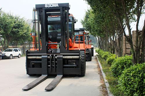 华南重工HNF250S石材专用叉车