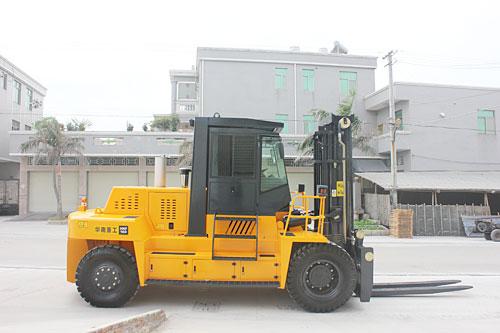 华南重工HNF160S石材专用叉车