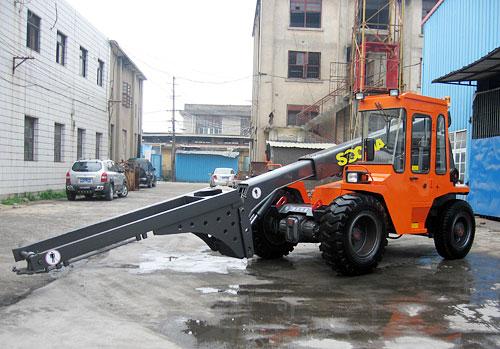 华南重工HNT40-4伸缩臂叉装机