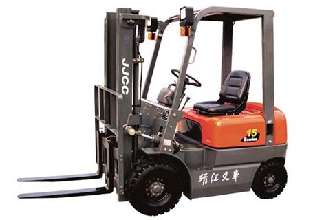 靖江(JJCC)E系列1.5-1.8吨内燃叉车图片