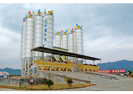 联丰机械HZS90高铁混凝土搅拌站图片