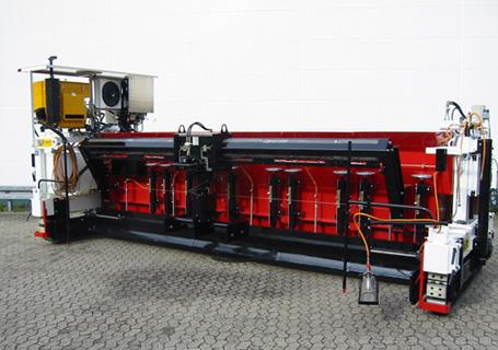 林泰阁EB80/120S浇注式沥青混凝土摊铺机图片