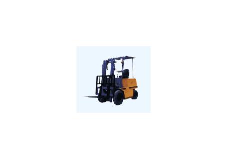 力尔美CPD系列1.5吨四轮电动平衡重叉车图片