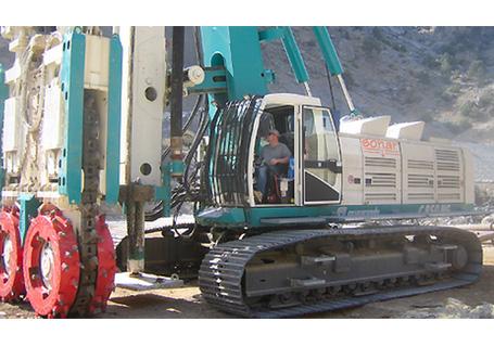 卡萨阁蓝地FD 60直臂式桩工机械图片