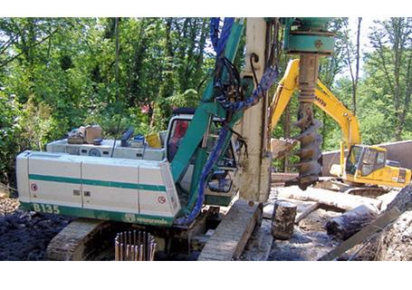 卡萨阁蓝地B135旋挖钻机