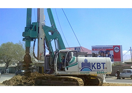 卡萨阁蓝地B200 XP旋挖钻机
