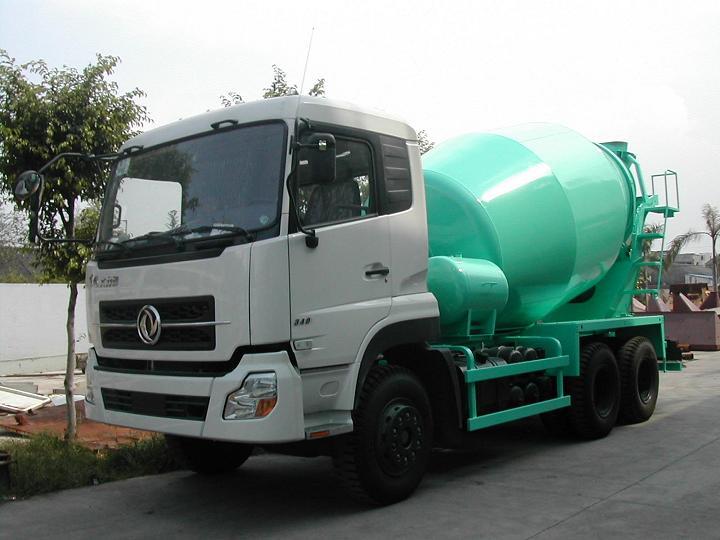 百巨建机10立方混凝土搅拌运输车