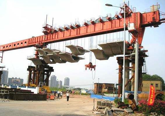 大方DP节段拼装架桥机
