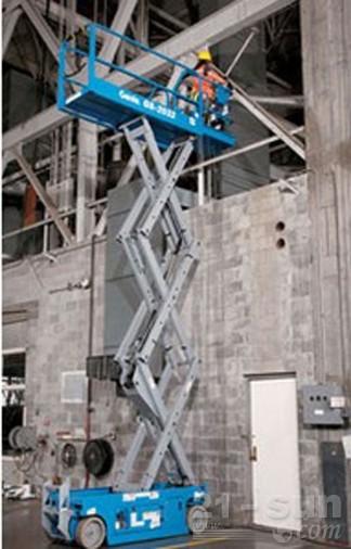 吉尼GS-2032自行式剪型高空作业平台
