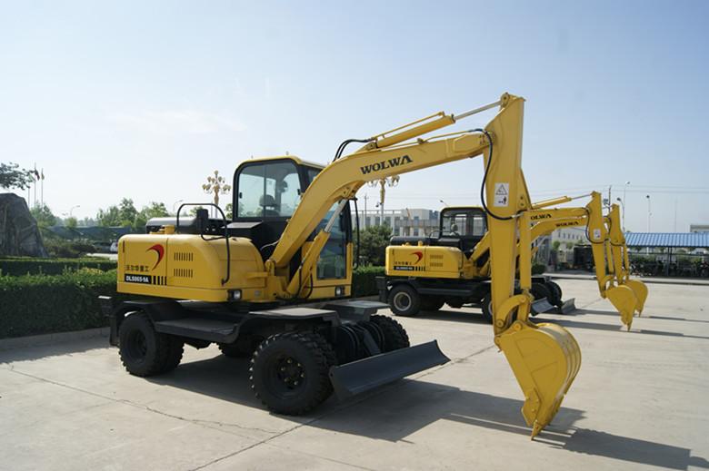 沃尔华DLS865-9A轮式挖掘机外观图1