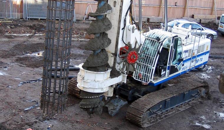 土力机械SF-70长螺旋钻孔机图片